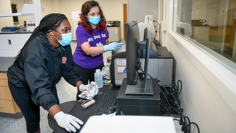 grad students in lab